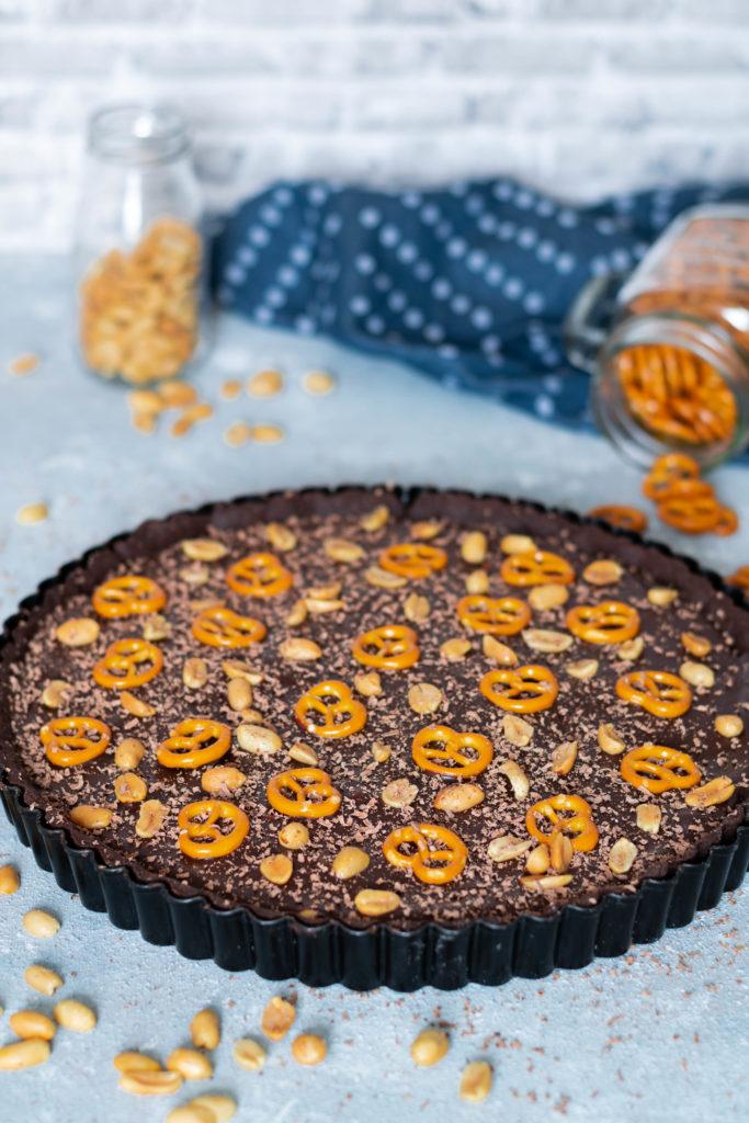 Schokoladentarte mit Erdnüssen und Brezeln